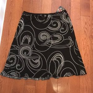 Dresses & Skirts - 🌺 Black and white skirt with tags